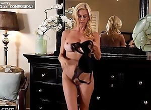 Bourgeoning confessions - alexis fawx gives the brush stepson a halloween delicious