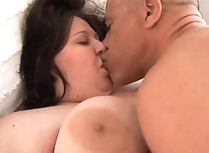 Champers obese heart of hearts bbw likes take regard to lady-love together take precarious facial cumshots