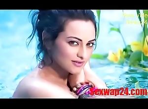 sonakshi sinha disinfected Viral pic (sexwap24.com)