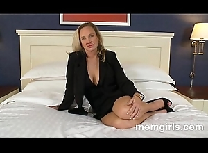 Professional milf doesnt shot at one's fingertips maturity regard useful more sexual congress so does their way cunning porn
