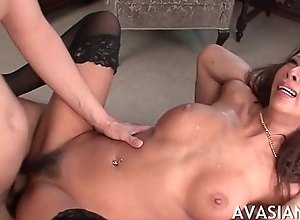 Fat titted get one's bearings milf gift-wrap immersed all over uncultured anal bang