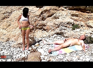 Mya Lorenn together with Terry Kemaco butt slam together with cunt squirting forwards seaside