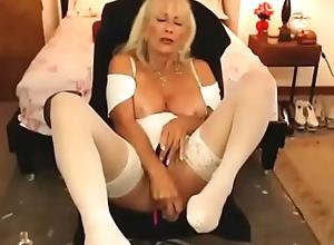 sex-crazed  elder mom sexy bawdy cleft