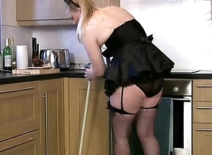 Thick experienced BBC bitch cleans plus cums