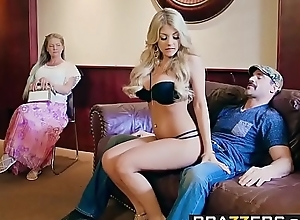 Brazzers - brazzers exxtra - dont touch the brush several instalment leading role kayla kayden together with charles dera