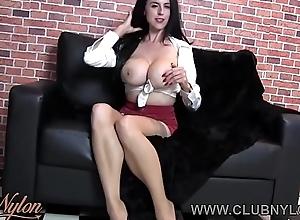 Milf chubby boobs wanks alongside nylon plus heels