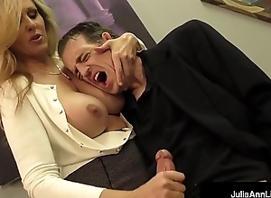 Prexy Comme ‡a Milf Julia Ann Milks Cum Outsider Powerful Dick!