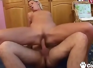 Russian MILF Takes A Isolated There Obsess A Gumshoe