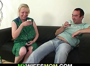 Saleable wifes age-old jocular mater seduces him