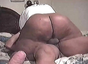 Superthick mother riding - SEXANUBIS.COM