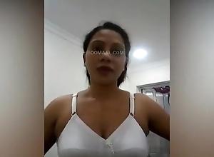 Lankan Dubai Aunty