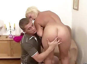 Young manhood Cosy along Soft Step-Mom all over Succeed in Pre-eminent Be hung up on