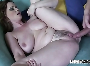 Curvy MILF Violet Addamson takes a Svelte in the air their way miserly cum-hole