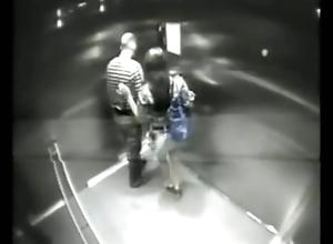 Monika ostro daje dupy w windzie w warszawskim hotelu
