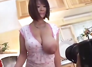 Chubby bosom Japanese female parent milking