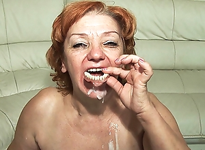 74 years aged toothless mommy drilled