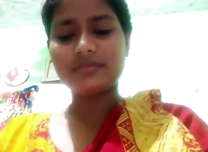 Indian desi aunty shows herself